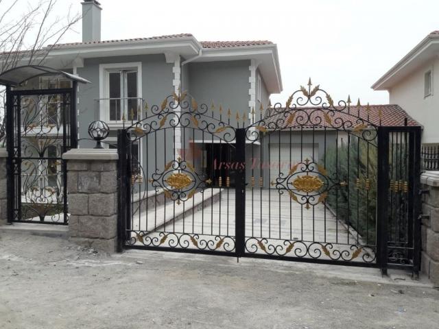 dekoratif bahçe kapıları